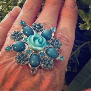 Gorgeous & Comfortable Cocktail Ring! Sz-Stretchy,